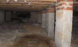 Wet, damp crawl space in hoffman estates, il need vapor barriers